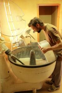 Baptiste Roffino, confectionne le pain